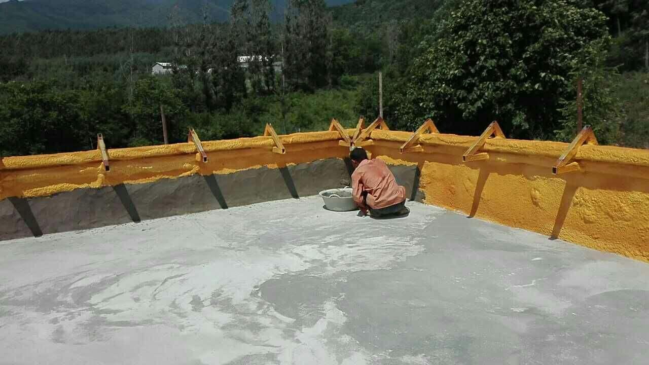 农村房屋屋顶防水补漏施工方案怎么做?这样处理屋面不怕日晒雨淋了!