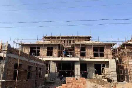 2019年农村宅基地建房新规定!盖房实行两种限制,被查也不用拆